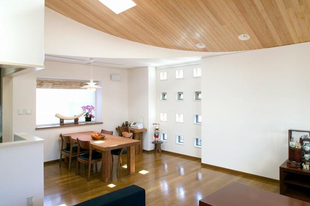 太陽がふりそそぐ家|柿の木坂の注文住宅、住宅メーカーは大栄工業