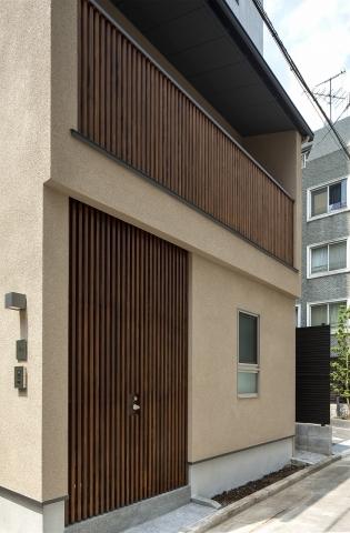 新宿御苑の家|新宿御苑の建て替え、木の家に建て替えるなら大栄工業
